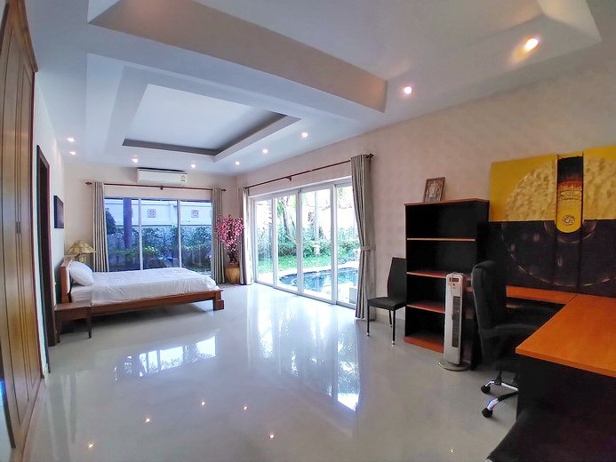 House for sale Jomtien Park Villas showing the second bedroom pool view