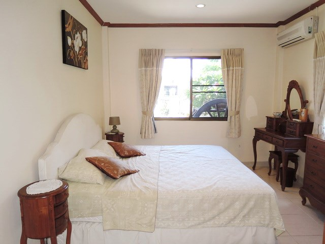 House for sale Jomtien Pattaya showing the second bedroom