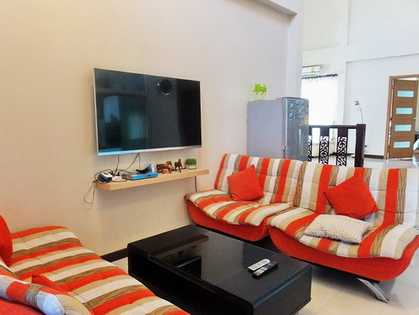 House for sale Jomtien Pattaya showing the second living area