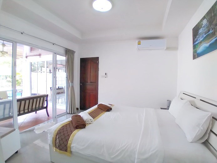 House for sale Jomtien showing the fourth bedroom pool view