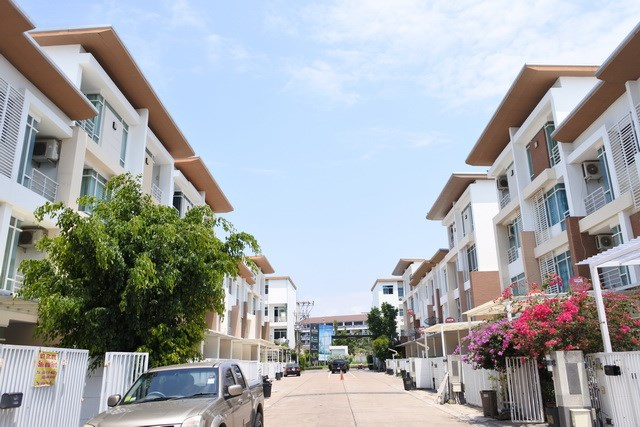 House for sale Jomtien showing the village