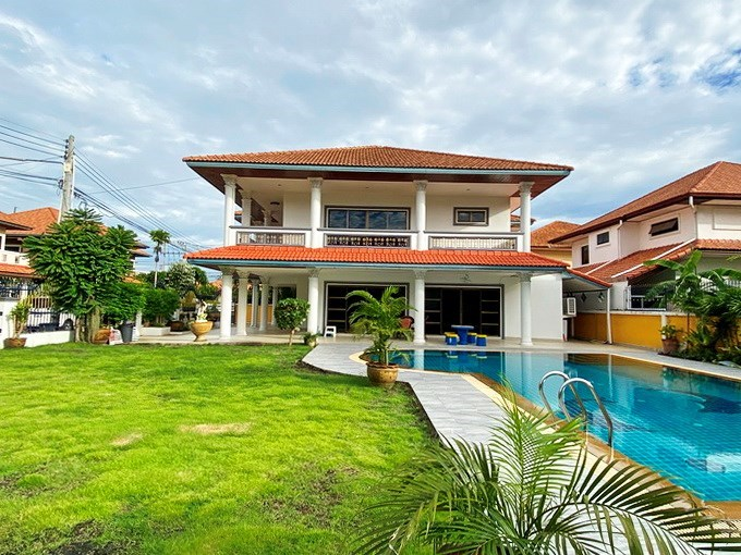 House for sale Jomtien showing the house