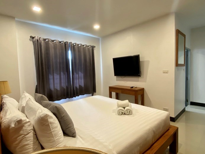 House for sale Jomtien showing the third bedroom suite