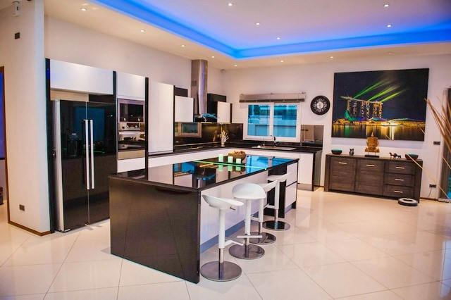 House for sale Mabprachan Pattaya showing the kitchen