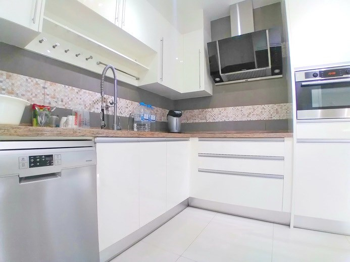 House for sale Mabprachan Pattaya showing the kitchen area