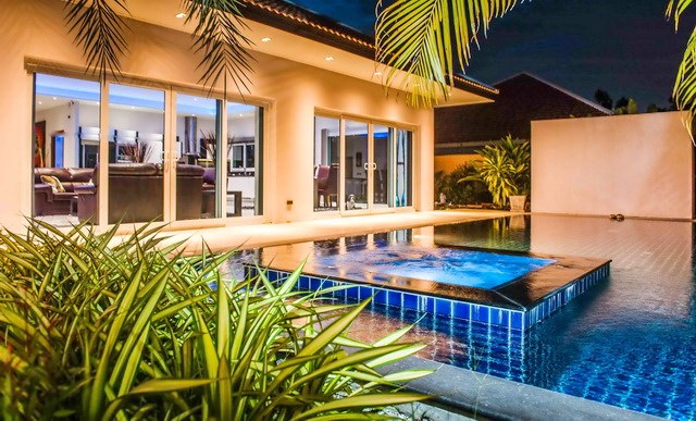 House for sale Mabprachan Pattaya showing the house and private pool