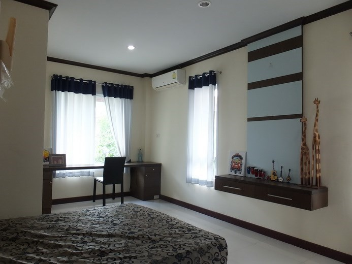 House for sale Na Jomtien Pattaya showing the third bedroom