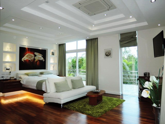 House for sale Pattaya Phoenix Golf Course showing the guest suite bedroom