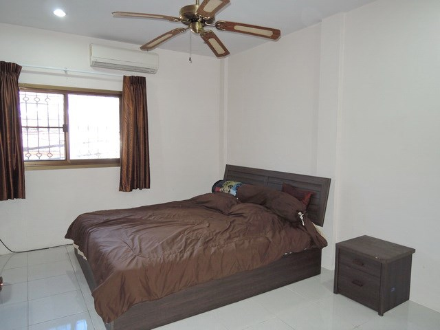 House for sale Pratumnak Hill Pattaya showing the second bedroom