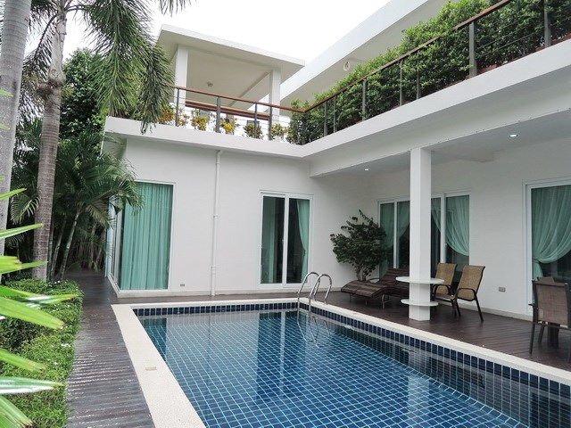 House for Sale Silverlake Pattaya showing the house pool and rooftop Sala
