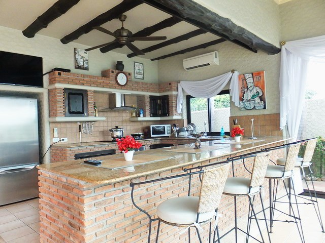 House for sale Pattaya showing the guest house kitchen