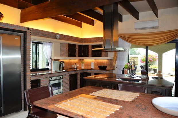 House for sale Pattaya showing the large kitchen