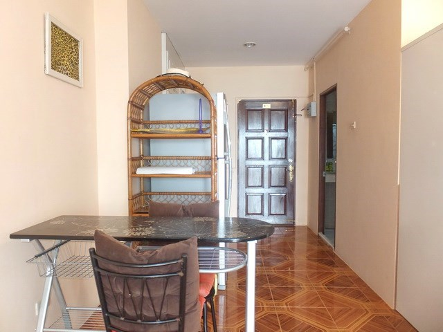 Condominium for rent Jomtien Pattaya showing the dining area