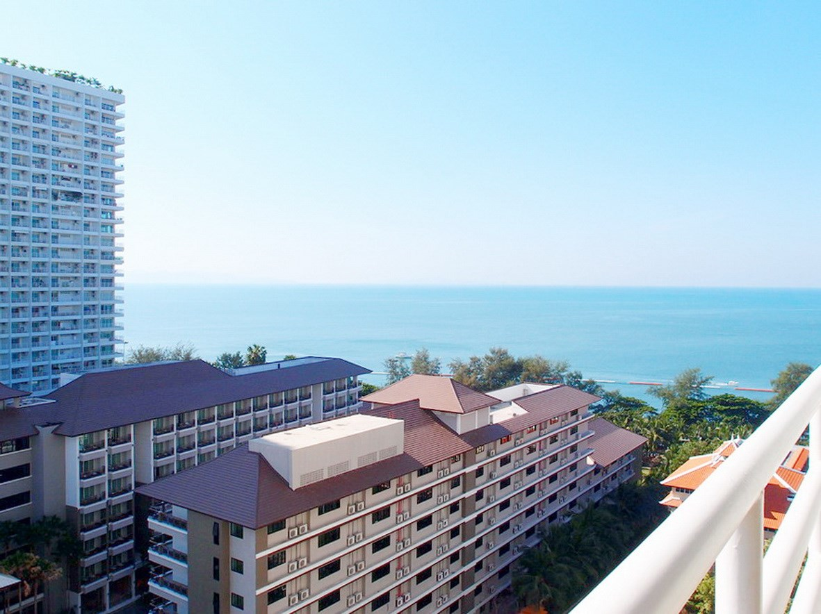 Condominium for rent Jomtien showing the balcony view