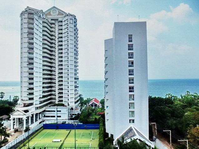 Condominium for rent Wongamat Pattaya showing the view