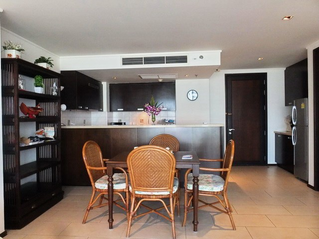 Condominium for rent Northshore Pattaya showing the dining and kitchen