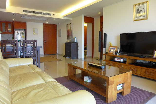 Condominium For Rent Pattaya showing the modern decor