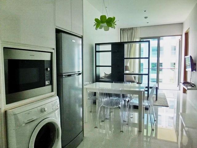 Condominium for rent Wongamat Pattaya showing the open plan concept