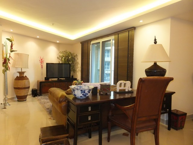 Condominium for Rent Central Pattaya showing the living area