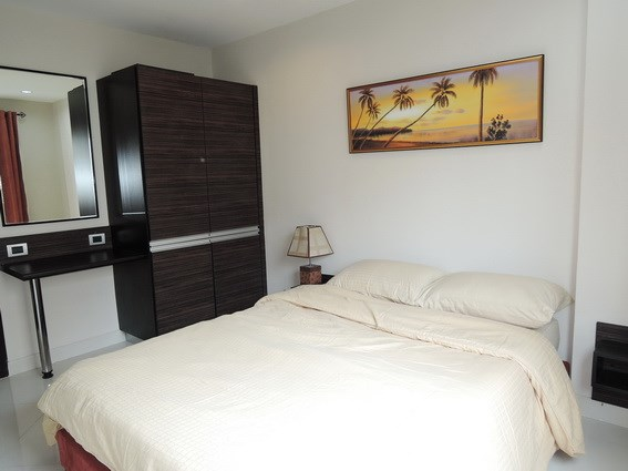 Condominium for rent Jomtien Park Lane showing the bedroom suite