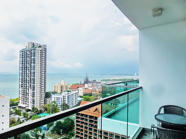 Condominium for rent Wong Amat Tower showing the balcony and view