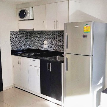 Condominium for rent Pattaya showing the kitchen