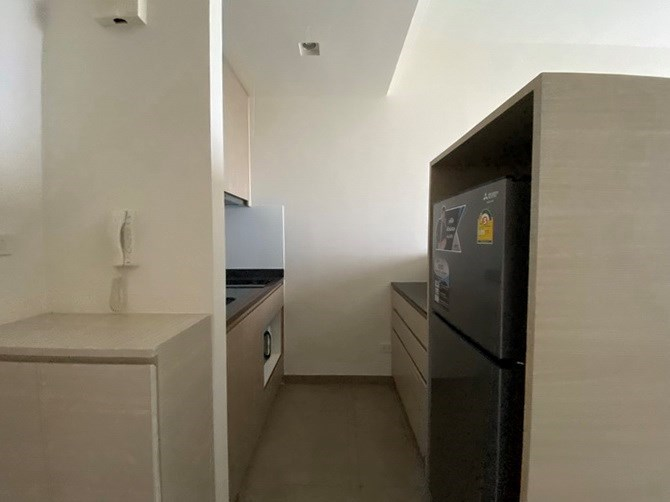 Condominium for rent UNIXX South Pattaya showing the kitchen