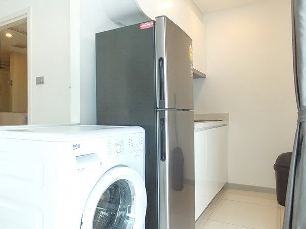 Condominium for rent Central Pattaya showing the kitchen area