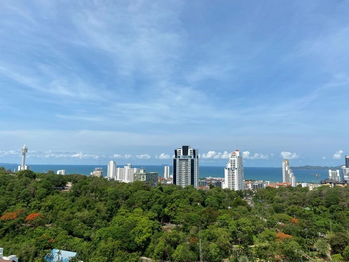Condominium for rent UNIXX South Pattaya showing the sea view