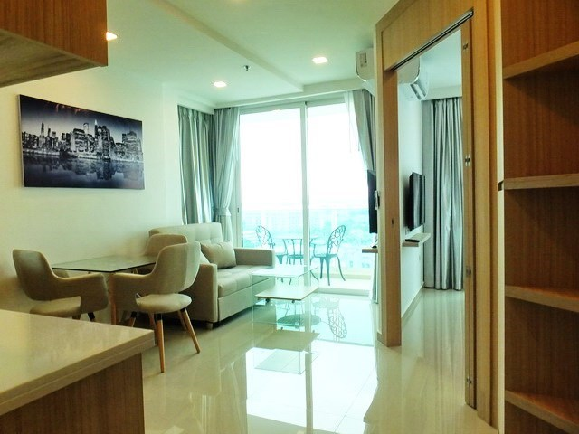 Condominium for rent Pattaya showing the open plan concept