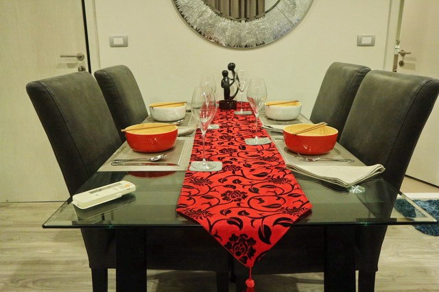 Condominium For Sale Wongamat showing the dining area