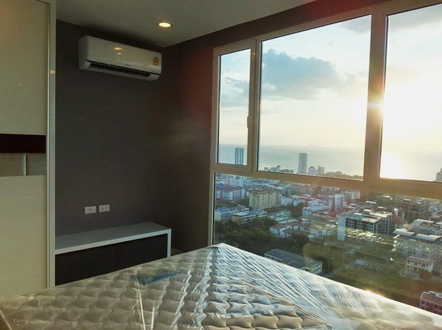 Condominium for sale Pratumnak Hill Pattaya showing the second bedroom with sea view