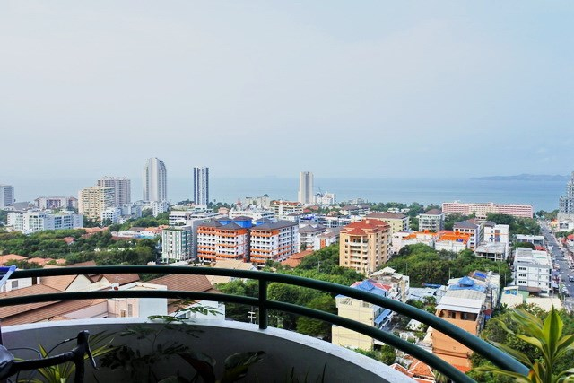 Condominium for sale Pratumnak Hill Pattaya showing the balcony view