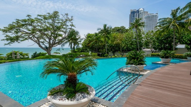 Condominium for sale The Cove Wongamat showing the communal pool