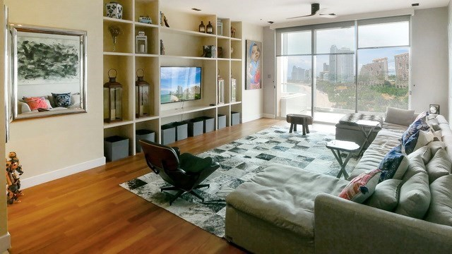 Condominium for sale The Cove Wongamat showing the living area
