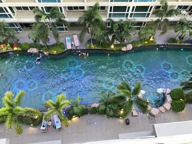 Condominium for sale Central Pattaya showing the balcony view