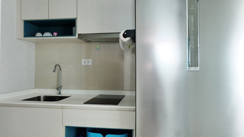Condominium for sale Central Pattaya showing the kitchen area