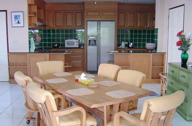 Condominium for sale in Jomtien at Chateau Dale showing the kitchen and dining area