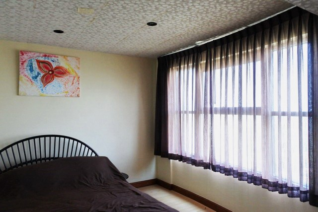 Condominium for sale Jomtien Pattaya showing the second bedroom
