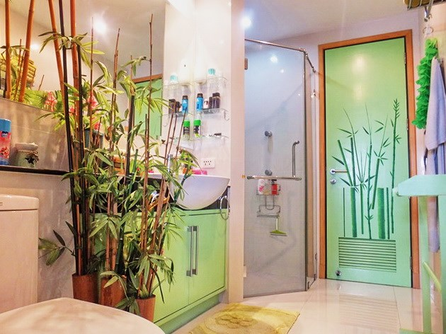 Condominium for sale Na Jomtien showing the second bathroom