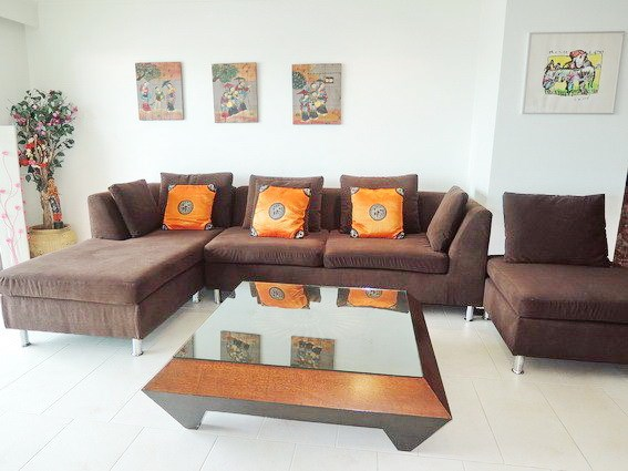 Condominium for sale Northshore Pattaya showing the living area
