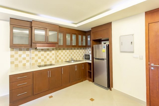 Condominium for sale Pattaya showing the kitchen