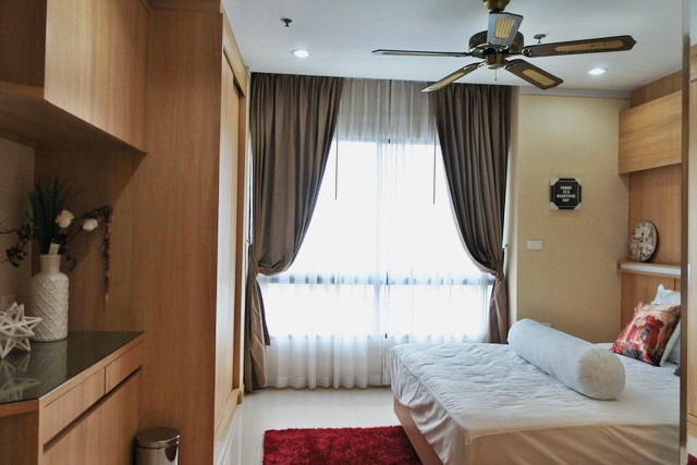 Condominium for sale Pratumnak Pattaya showing the third bedroom
