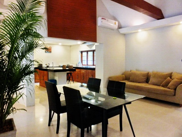 House for rent Pattaya showing the living, dining and kitchen areas