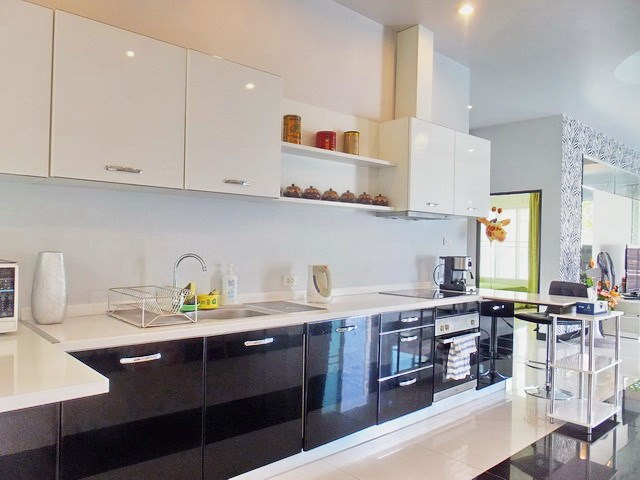 House for rent Huay Yai Pattaya showing the kitchen area