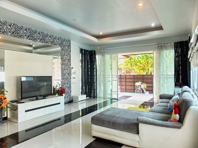 House for rent Huay Yai Pattaya showing the living room