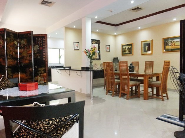 House for rent Jomtien at Jomtien Park Villas showing the dining areas