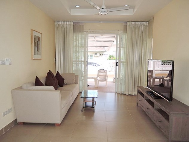 House for rent Pattaya showing living room