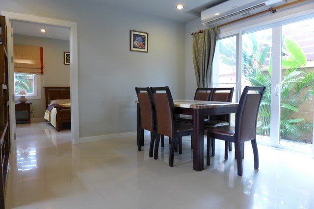 House for rent East Pattaya showing the dining area