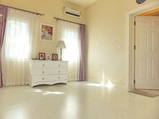 House For rent East Pattaya showing the third bedroom suite